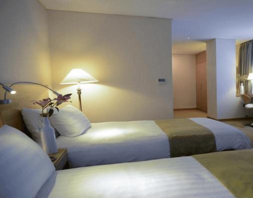 新国際ホテル